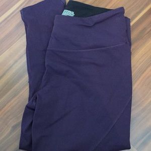Victoria sport capris deep purple